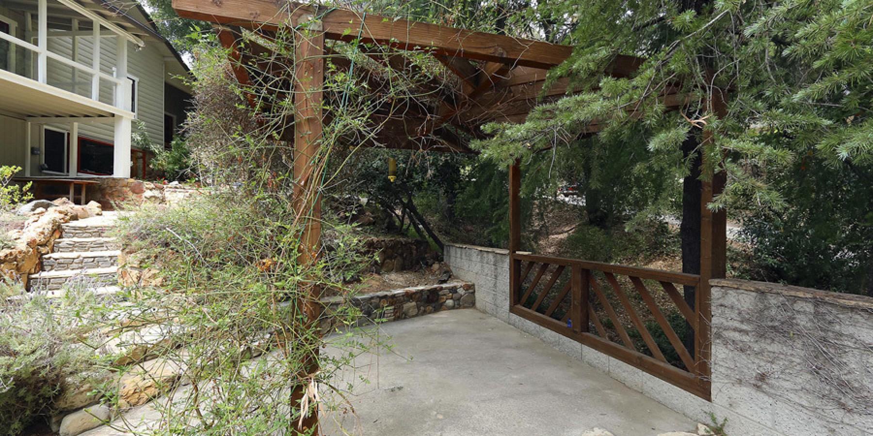 2305 Sugarloaf Drive, Agoura, CA 91301