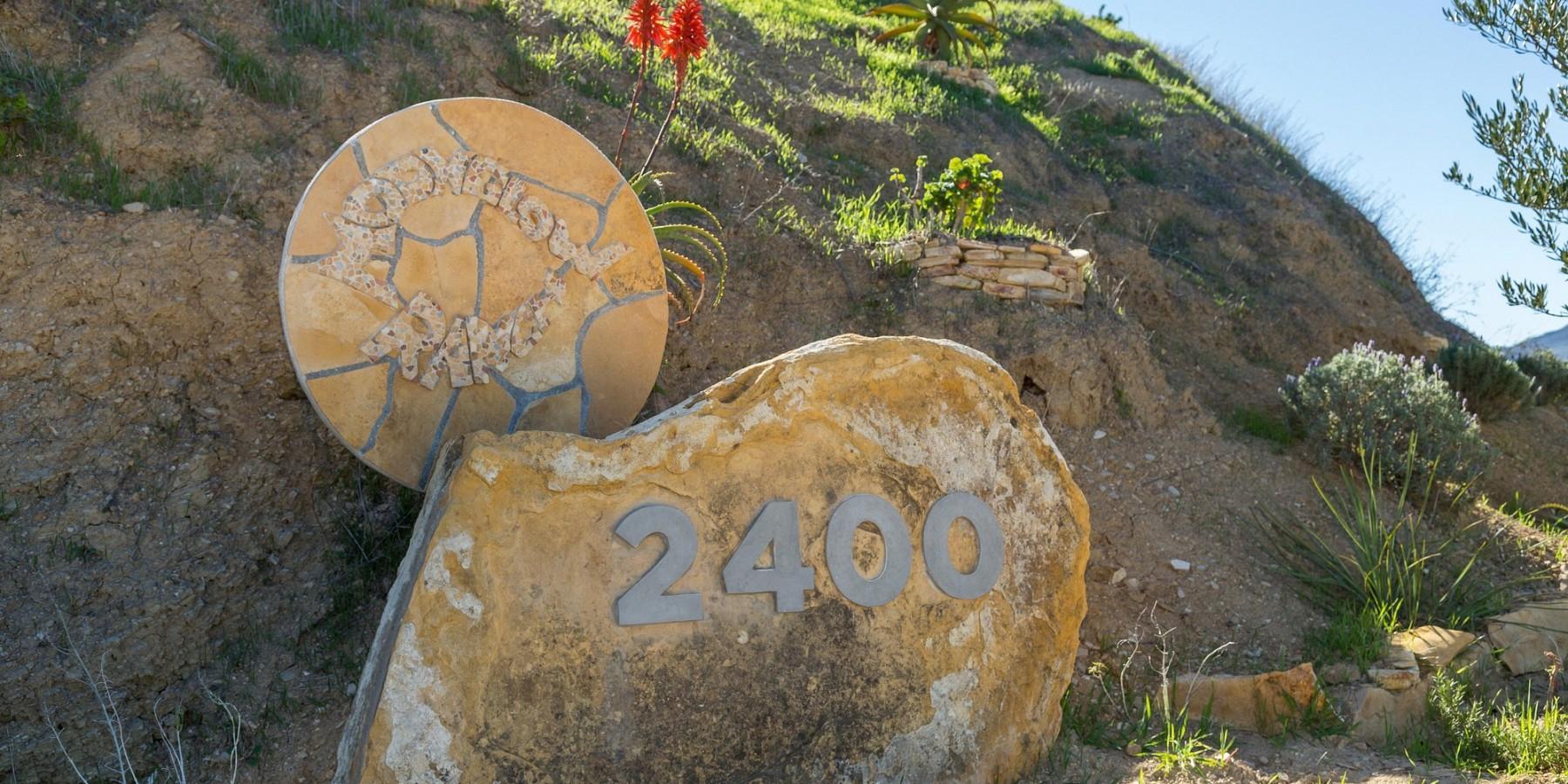 2400 Summit to Summit Motorway, Topanga, CA 90290