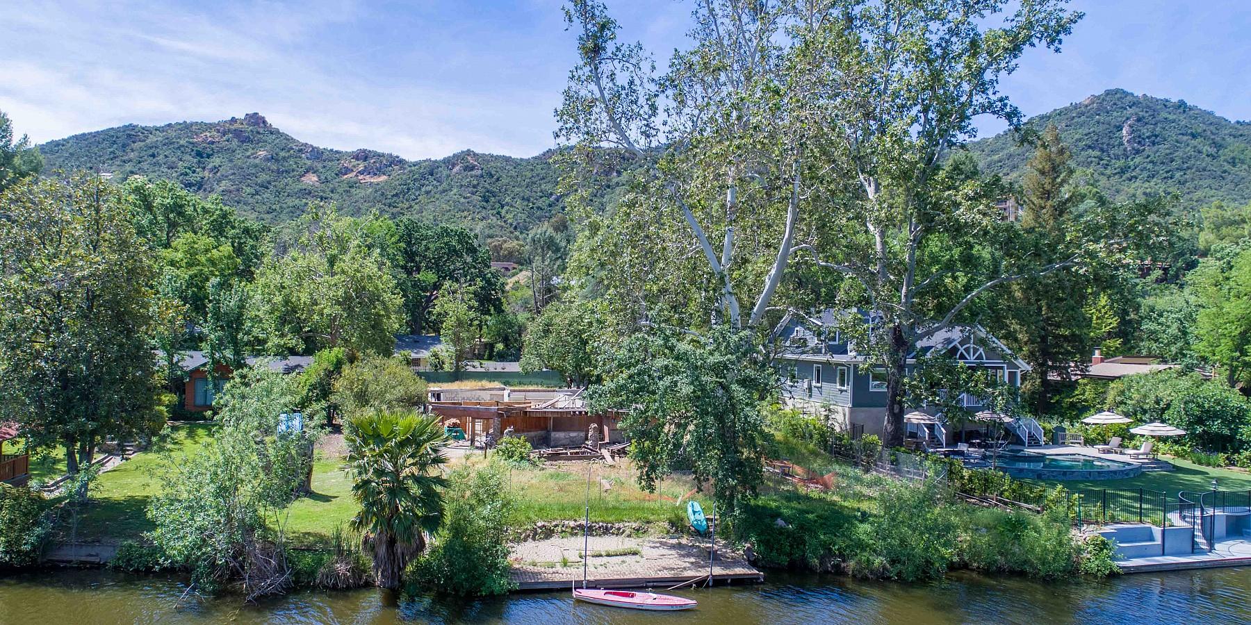 29225 South Lakeshore Drive, Malibou Lake, CA 91301