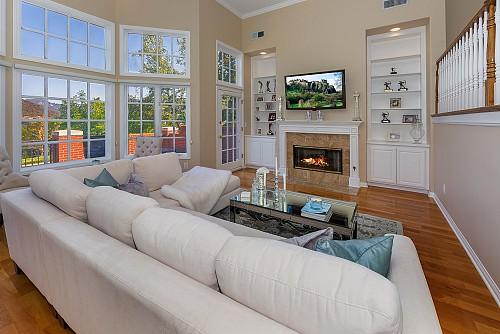 2466 Swanfield Ct, Westlake Village, CA 91361