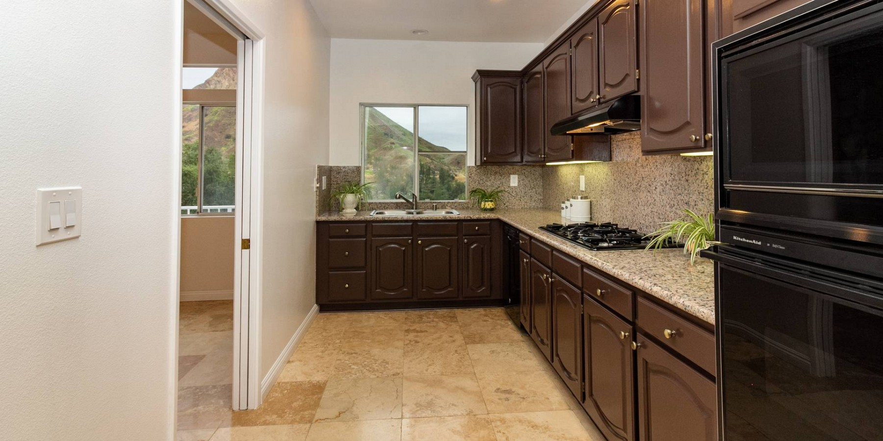 1988 Lookout Dr, Agoura Hills, CA 91301