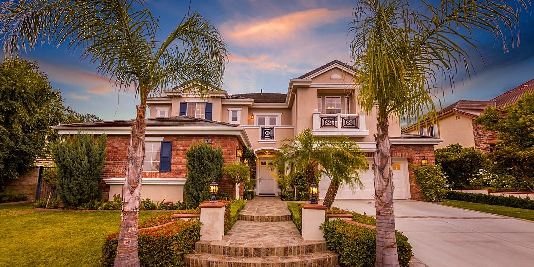 2490 Montecito Ave