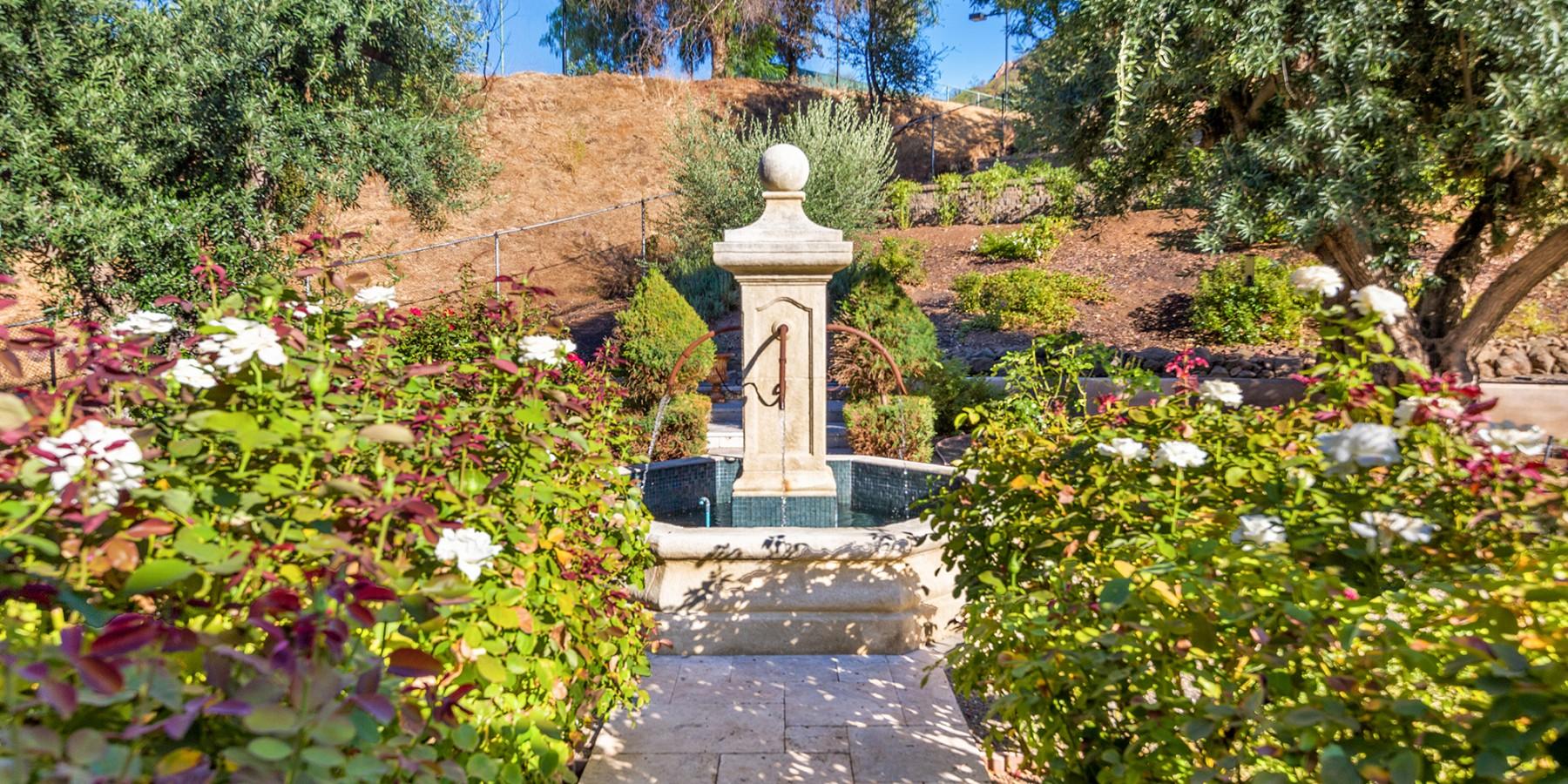 30124 Mulholland Hwy, Agoura Hills, CA 91301