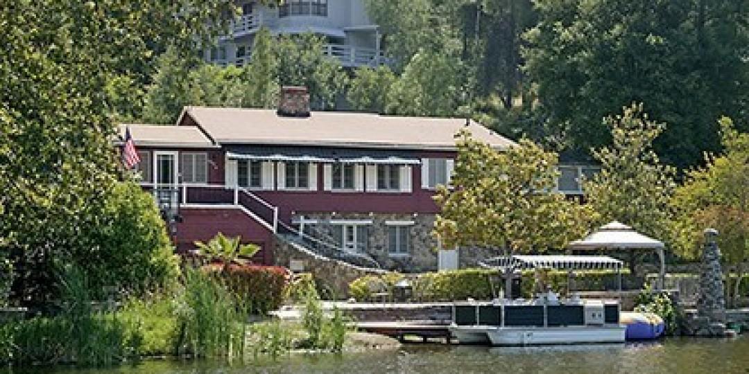 2070 East Lakeshore